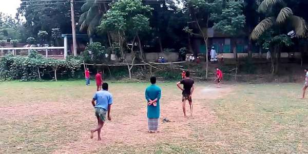 Cricket Enthusiasts in Rural India Don't Have Coaches